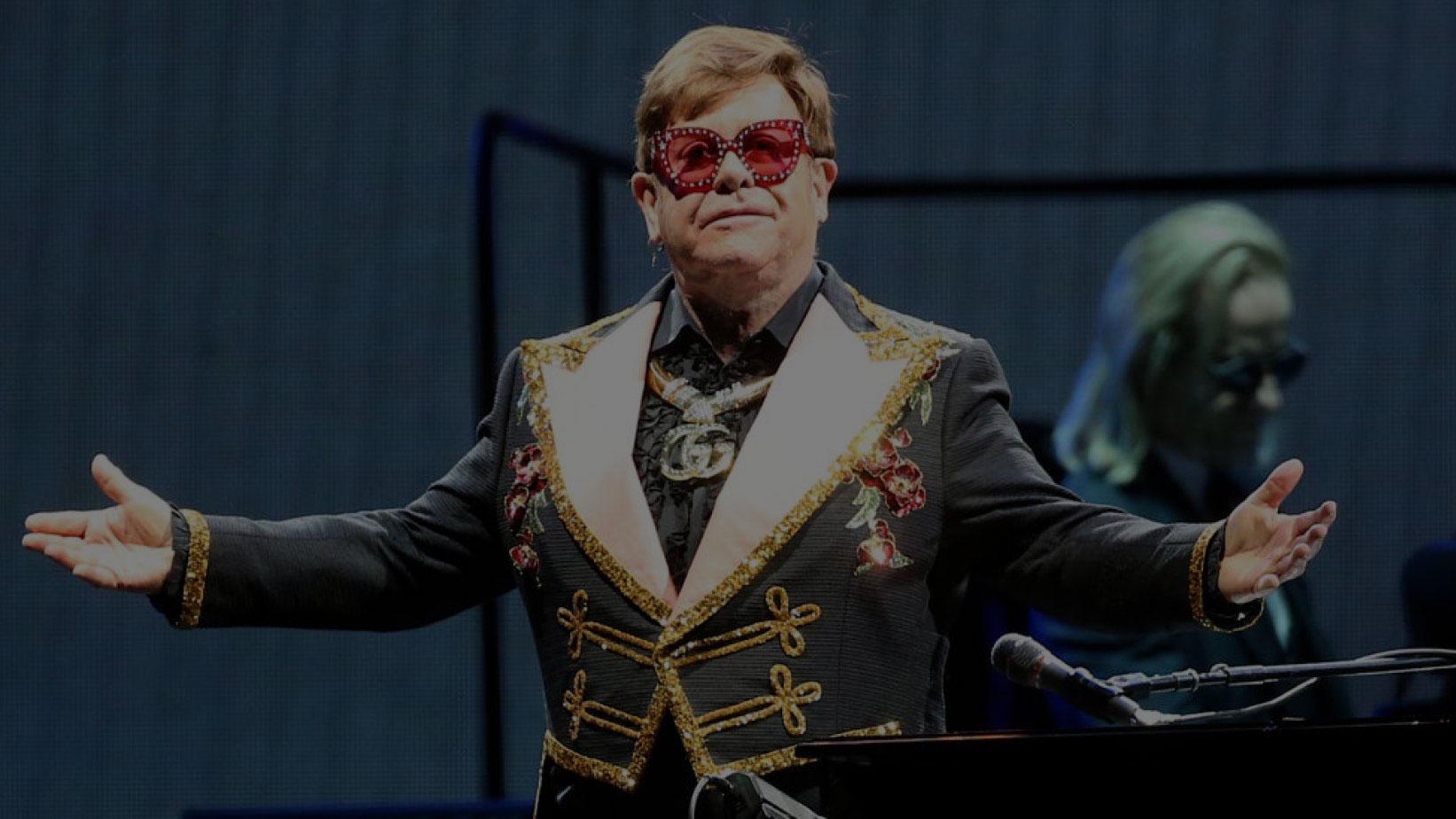 Sir Elton John, énekes és befektető